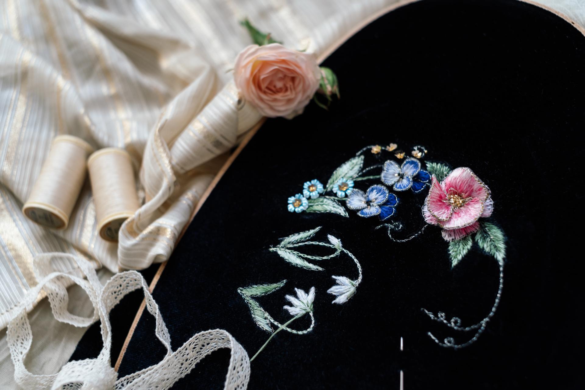 Недоделочка: вышивка на будущую сумочку!